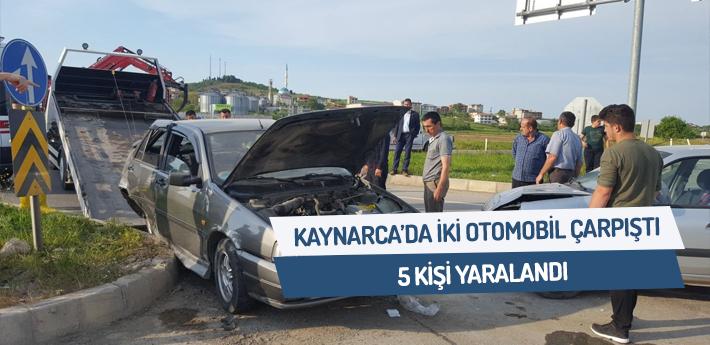 Kaynarca'da iki otomobil çarpıştı: 5 yaralı